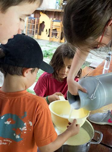 Les enfants sont impliqués dans la vie de la ferme