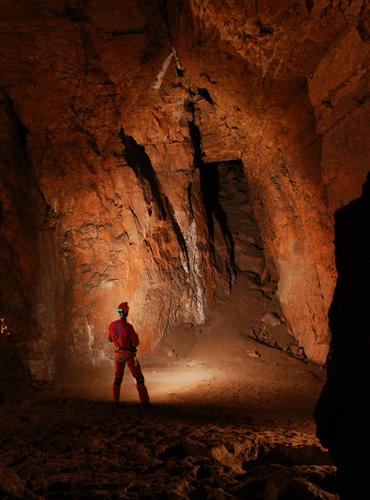 Spéléo dans la grotte de Castelbouc
